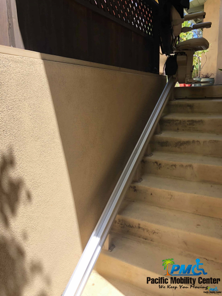 StairliftOutdoorDelMarWallyL
